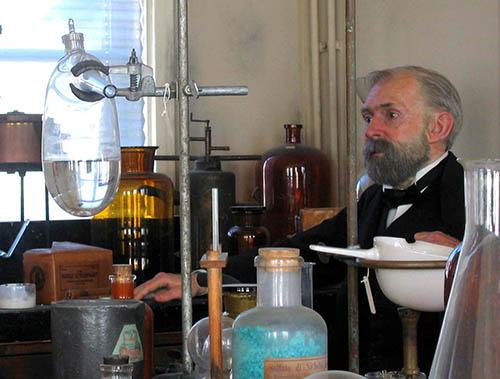Alfred Nobel i sitt laboratorium